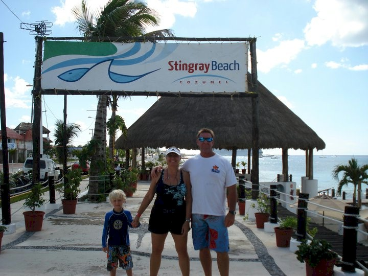 Stingray Beach Cozumel Mexico / My brutha Tom Howell with the fam on Stingray Beach in Cozumel Mexico. Of course in his favorite Bob the Fish T-shirt, Don't piss off the fish... keep our oceans clean. It's their home, we're only visiting!. Thanks Tom for your support.